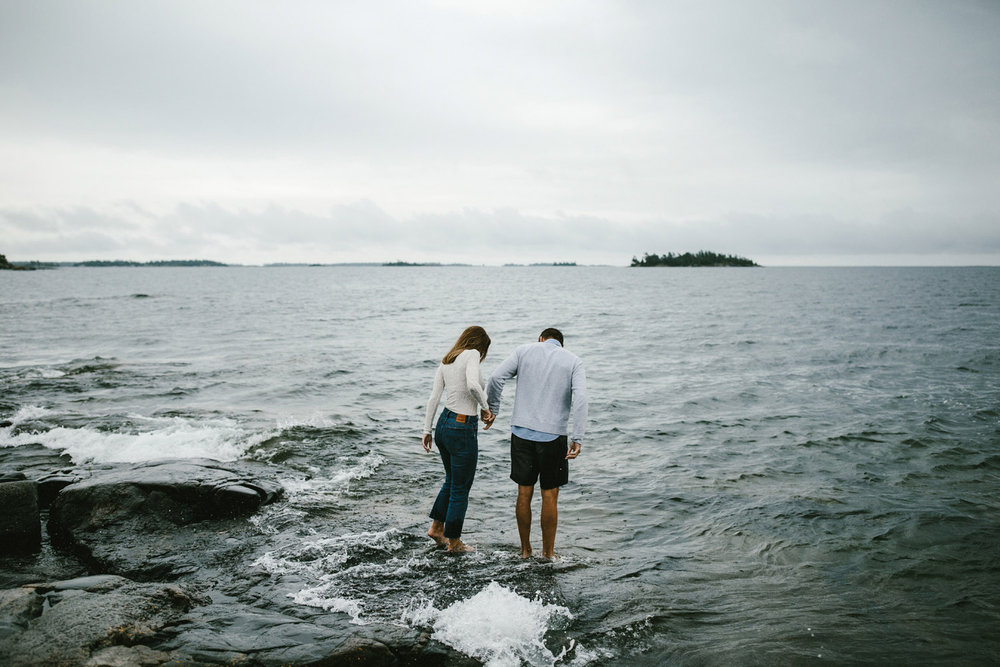 138-rainy-georgian-bay-engagement-session.jpg