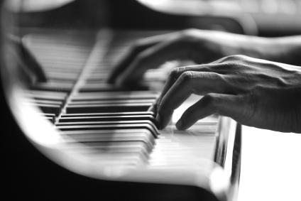 Risultati immagini per piano musician