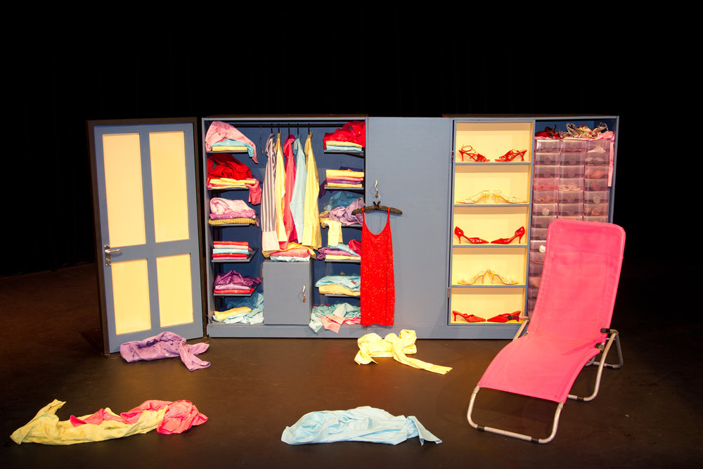 The wardrobe set 134.jpg