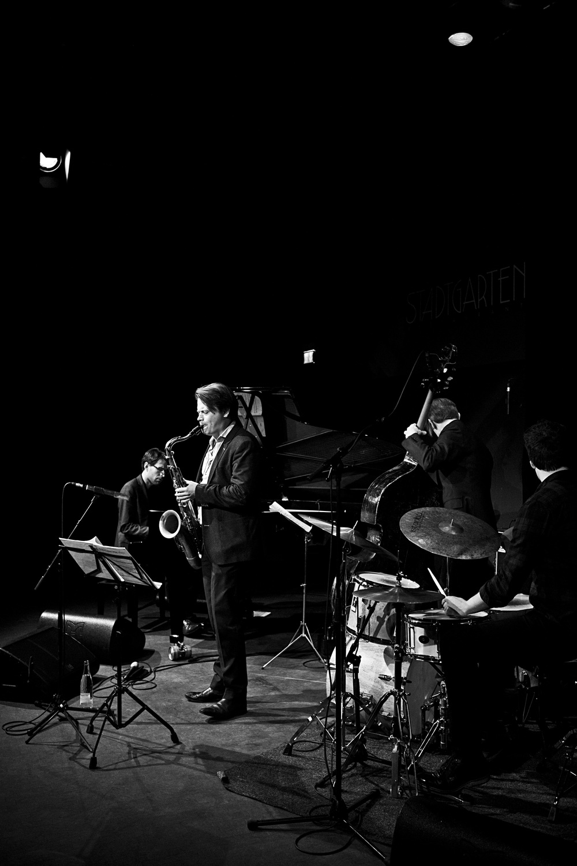 fabian stuertz 2016.02.28 - denis gäbel quartet - stadtgarten 0009-bw.jpg