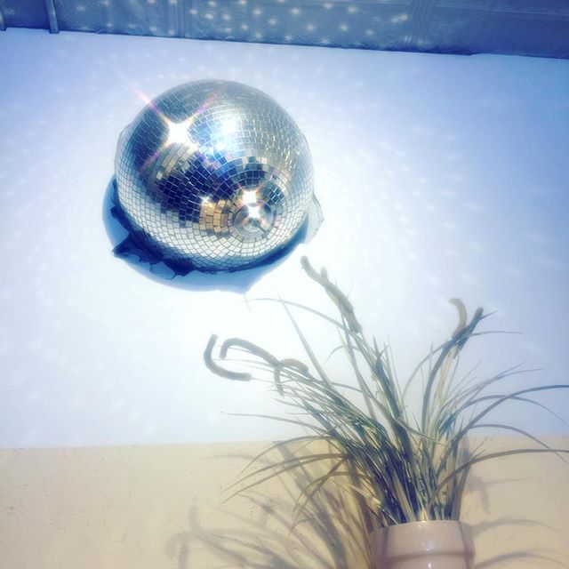 ✨I came in like a disco ball 🎶✨ this paints a pretty good pic of my current mood and physical well-being #prettywrecked