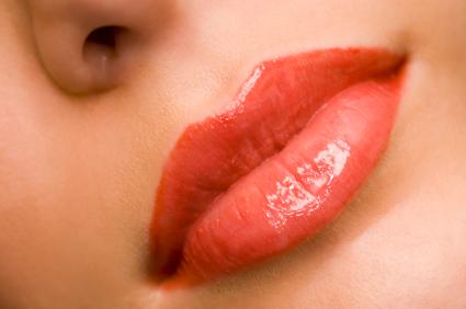 lips-light gloss 2.jpg
