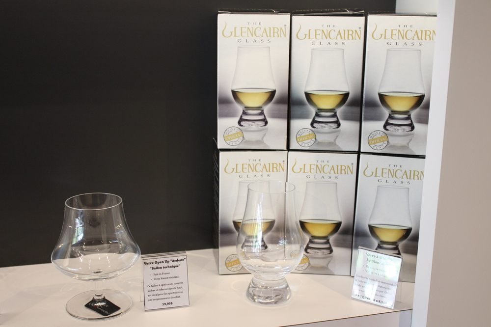 Le  Glencairn Whisky Glass , récipient optimal.