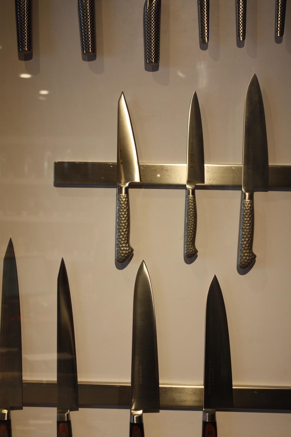 Global & compagnie, outils culinaires japonais faits d'une seule pièce, leur équilibre parfaitement fignolé.