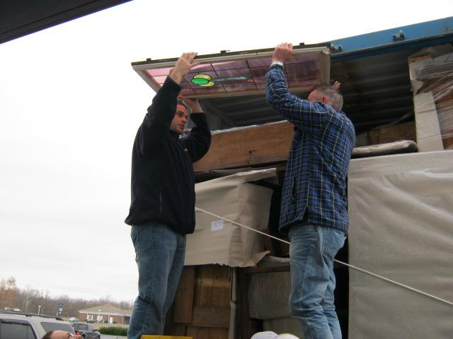 unloadingcontainerNov25 010.jpeg