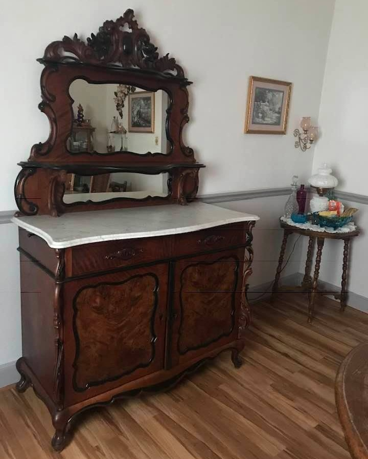 Biedermeier beauty - This gorgeous Dutch Biedermeier server made a perfect Christmas present for one of our best customers in Cambridge City Indiana. A perfect fit in a beautiful American home.