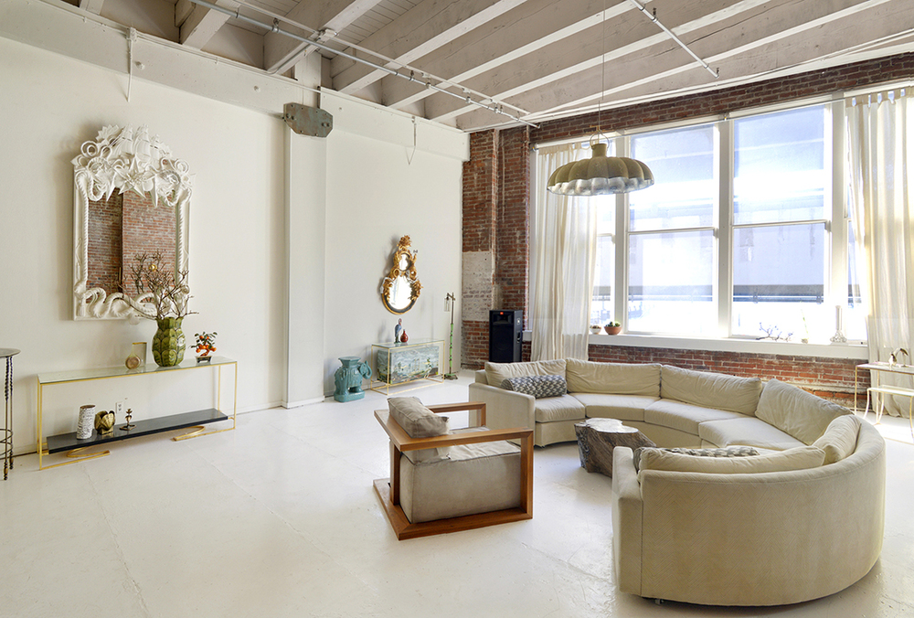 Living.room.1.sm.jpg