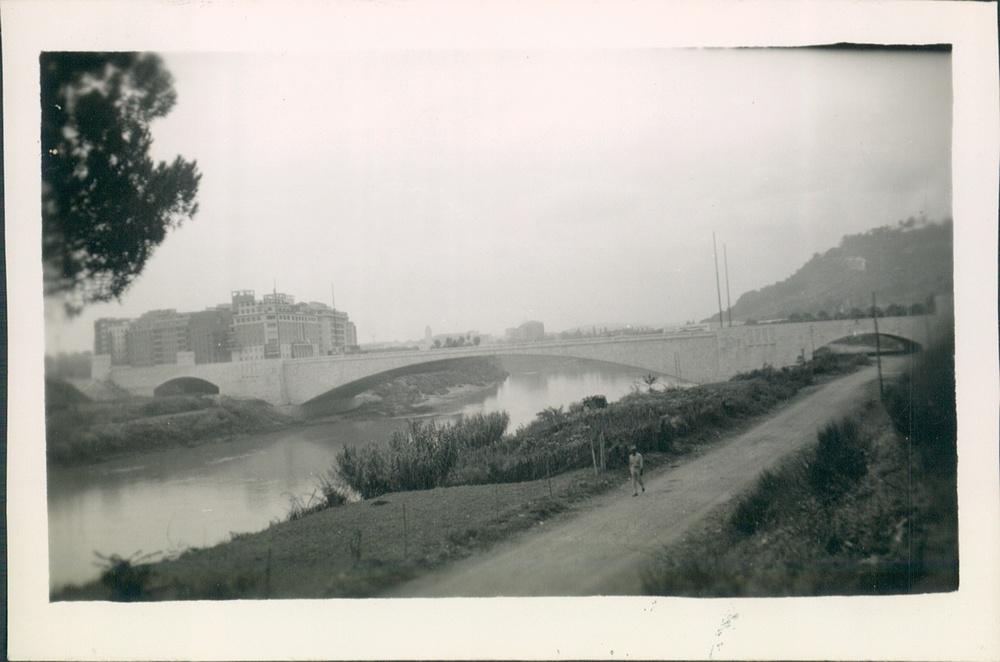 1944. Tiber River, Rome, Italy.