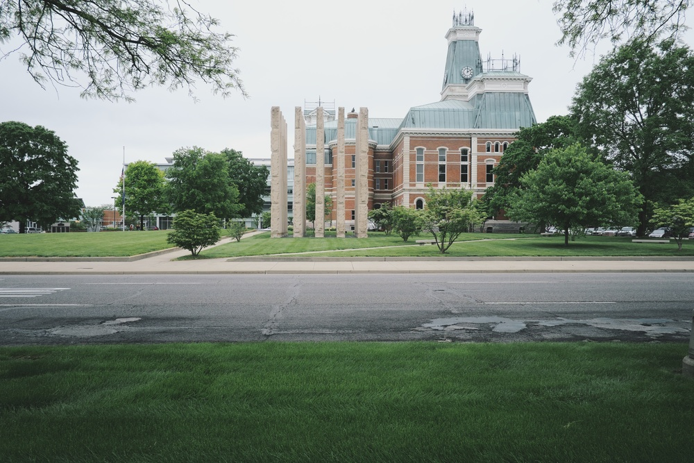 Bartholomew County Courthouse & Veterans War Memorial.