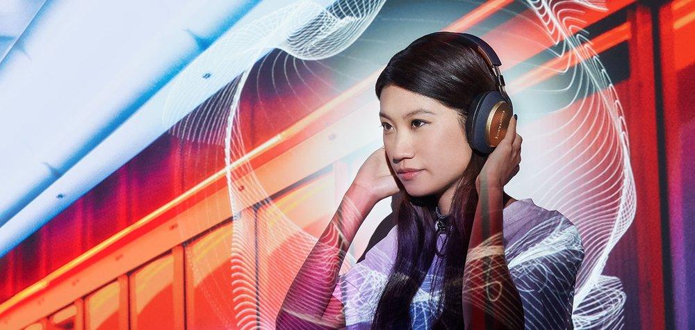 1-pX-wireless-headphones-flora.jpg