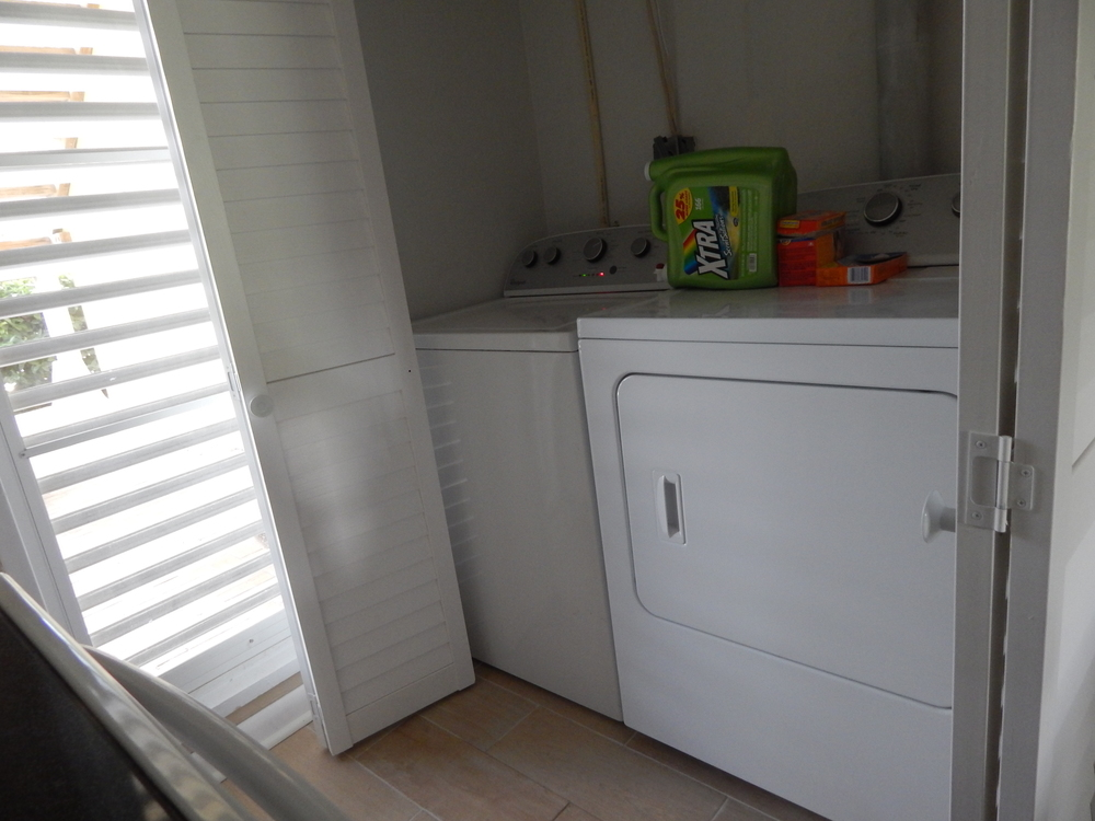 condo 2014 laundry.JPG