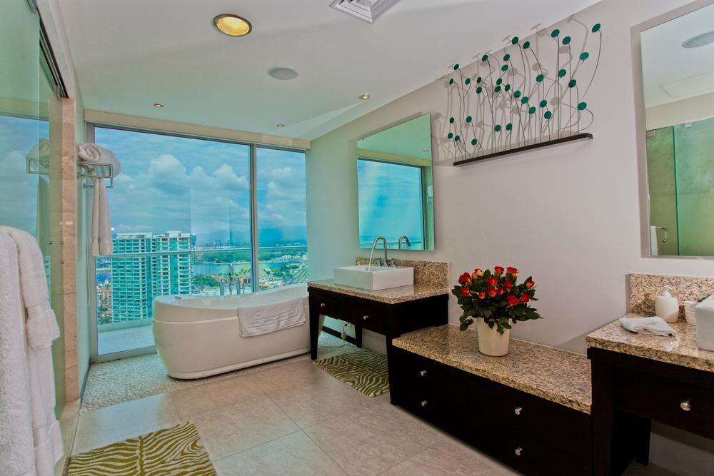 Puerto Vallarta Penthouse master bath