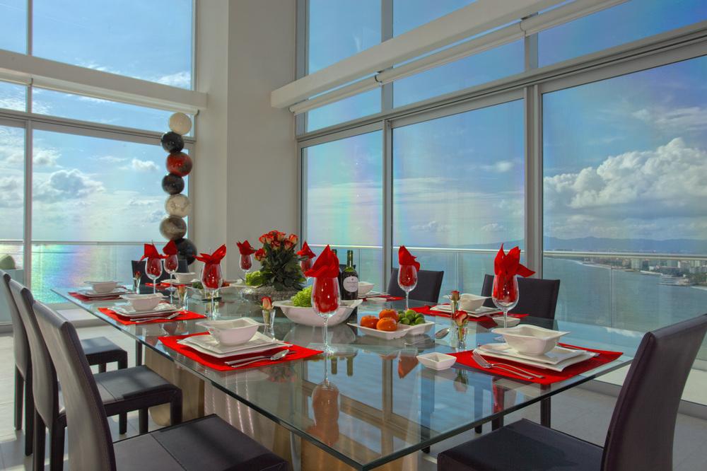 Puerto Vallarta villa dining room