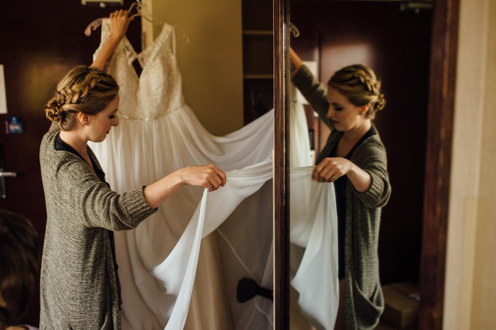 Schwertley - Dairyland Wedding - Getting Ready - ARBR Pictures-8-2.jpg