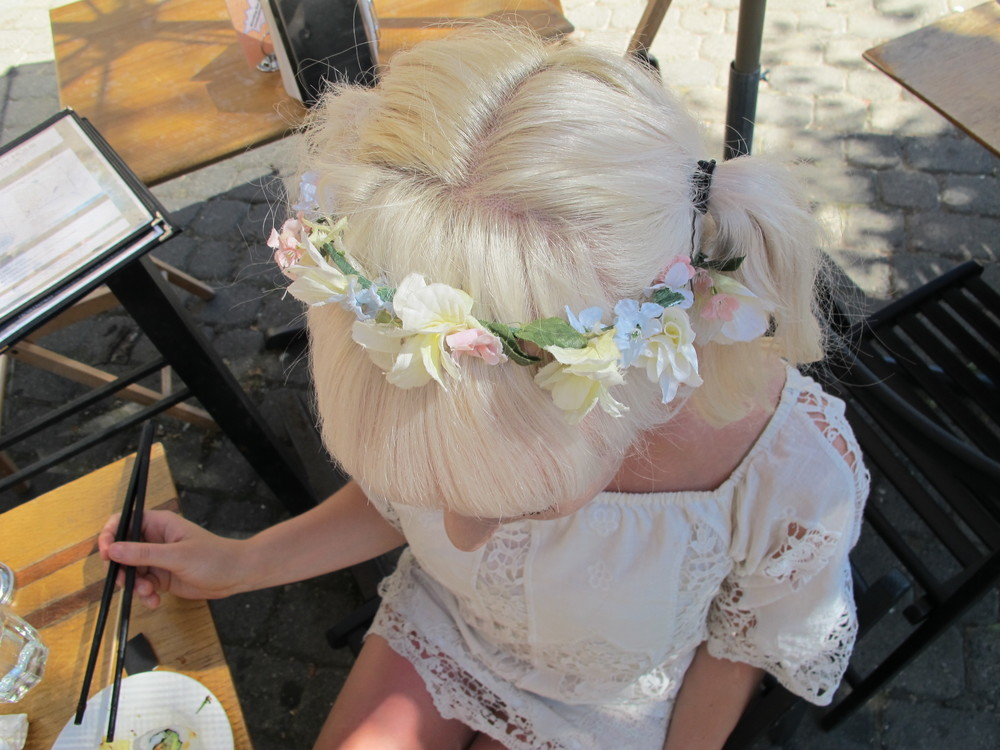 Kaya, in lace, and Tasha, in flowers, enjoy some sushi in the sun. This is Kaya's second appearance on the blog -we couldn't resist her porcelain locks and flower crown!
