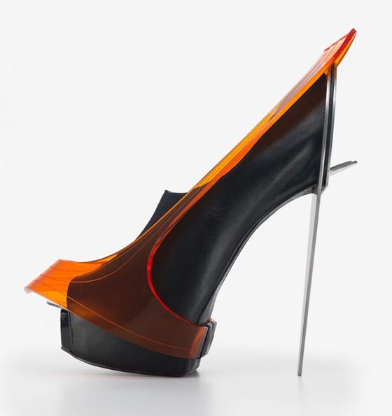 2010: Chau Har Lee, Blade Heel, perspex, stainless steel and leather.