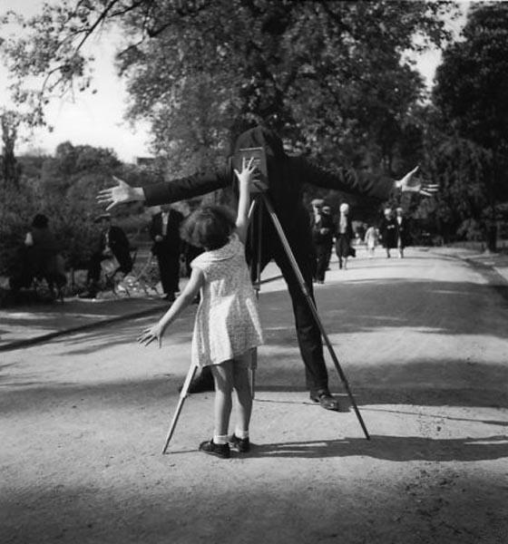 Robert Doisneau, La petite monique, 1934