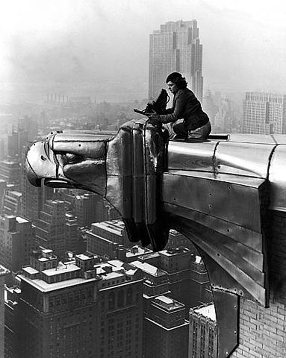 Oscar Graubner, Margaret Bourke-White working a top the Chrysler Building, 1934