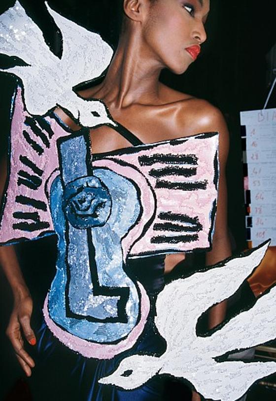 """""""Picasso y Palomas"""" Katoucha Niane Haute Couture, Paris, 2000"""