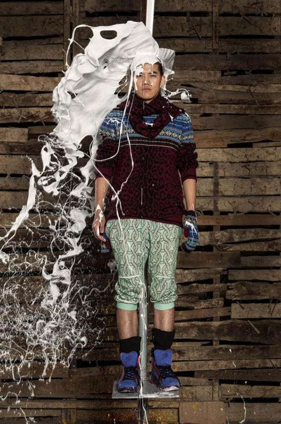 ai-weiwei-v-magazine-paint-editorial-10-sibling-600x905.jpg