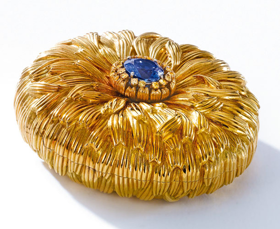 18 KT GOLD & SAPPHIRE COMPACT, SCHLUMBERGER FOR TIFFANY & CO. Est. $15,000 — 20,000; Sold $43,750