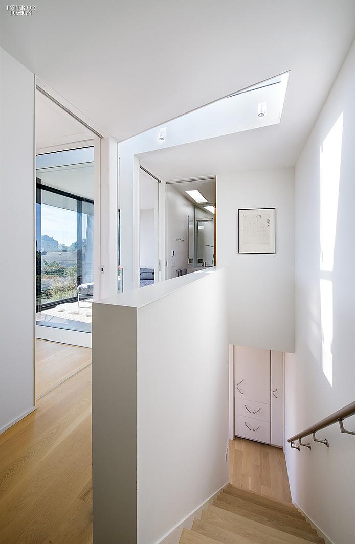 thumbs_2936-staircase-hamptons-residence-bates-masi-architects-1214.jpg.0x1064_q91_crop_sharpen.jpg