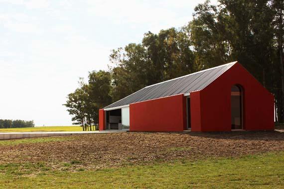 nicolas-pinto-da-mota-pool-house-la-lunera-uruguay-designboom-01.jpg