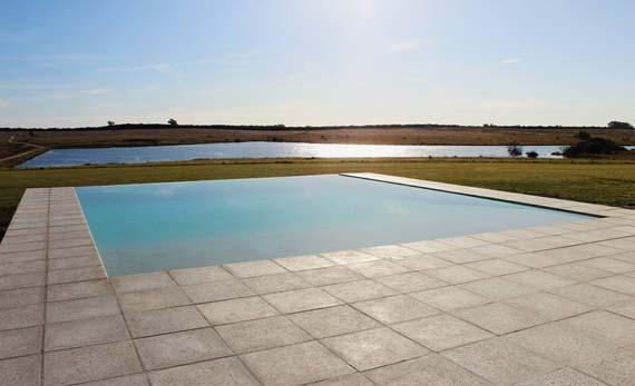 nicolas-pinto-da-mota-pool-house-la-lunera-uruguay-designboom-06.jpg