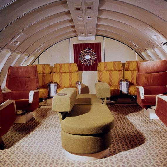 Braniff-International-747-Interior-1971.jpg