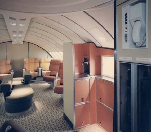 First-Class-Braniff-International-Boeing-747-127.jpg