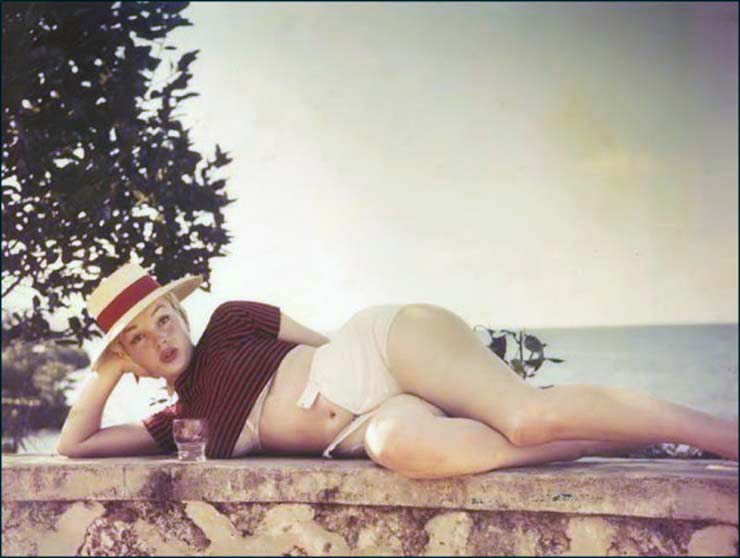 marilyn-monroe-on-vacation-in-amagansett-new-york-1957-2.jpg