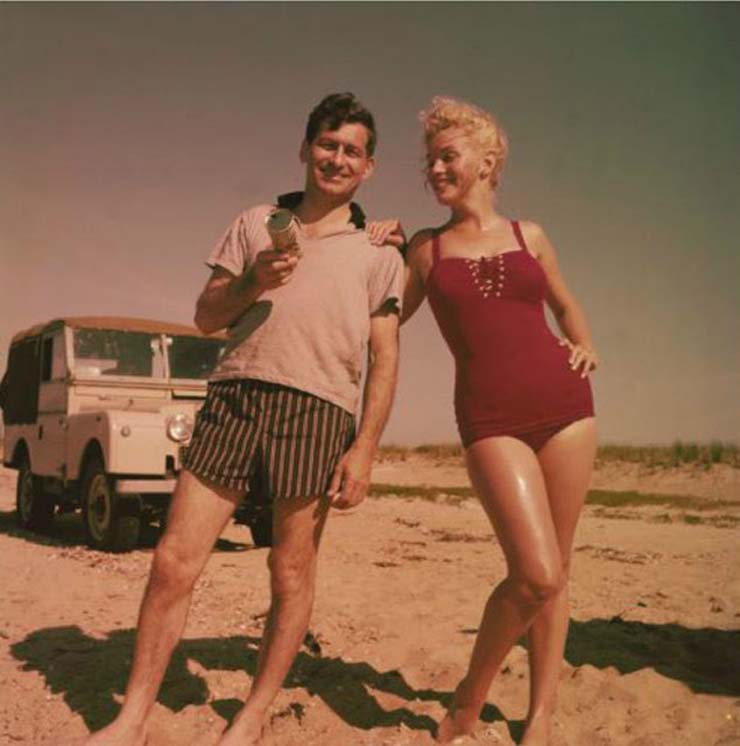 marilyn-monroe-on-vacation-in-amagansett-new-york-1957-6.jpg