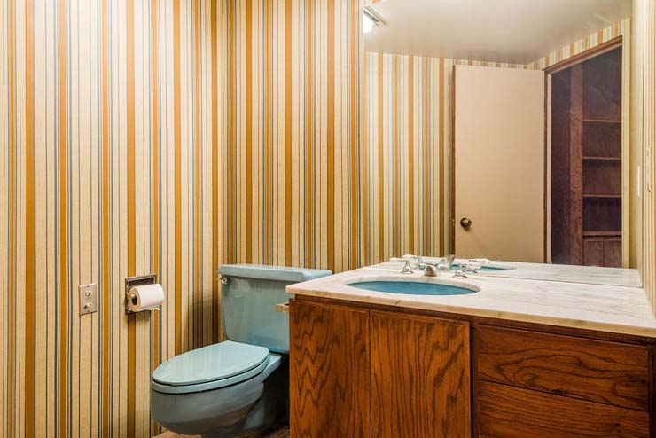 4374_S_Zarahemla_Dr_Salt_Lake_large_039_25_Half_Bathroom_1499x1000_72dpi.jpg