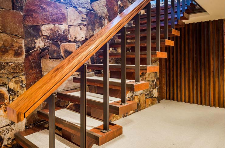4374_S_Zarahemla_Dr_Salt_Lake_large_059_17_Stairs_1500x990_72dpi.jpg