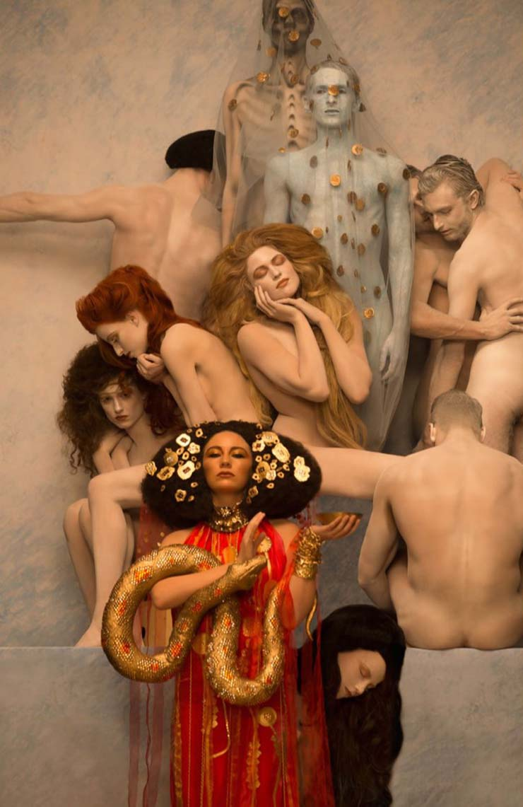 inge-prader-life-ball-gustav-klimt-paintings-designboom-09.jpg