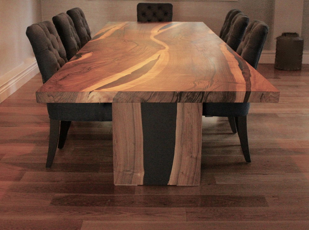 26Dyson-salvaged-English-walnut-table_1.jpg