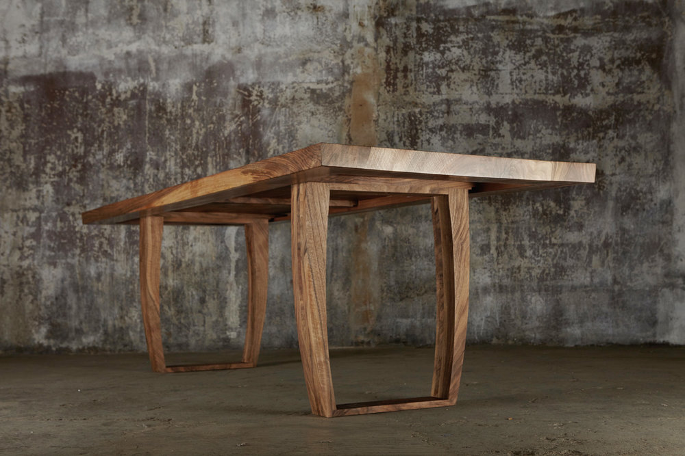 31_Dining-table-in-English-walnut_2.jpg