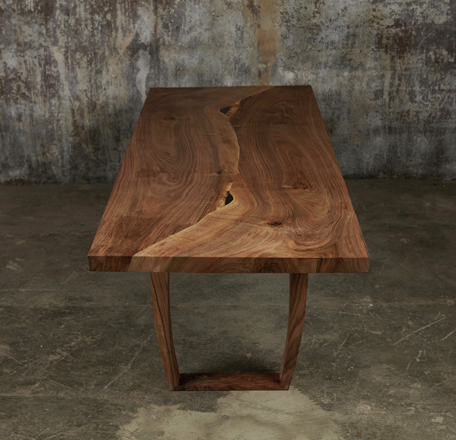 31_Dining-table-in-English-walnut_3.jpg