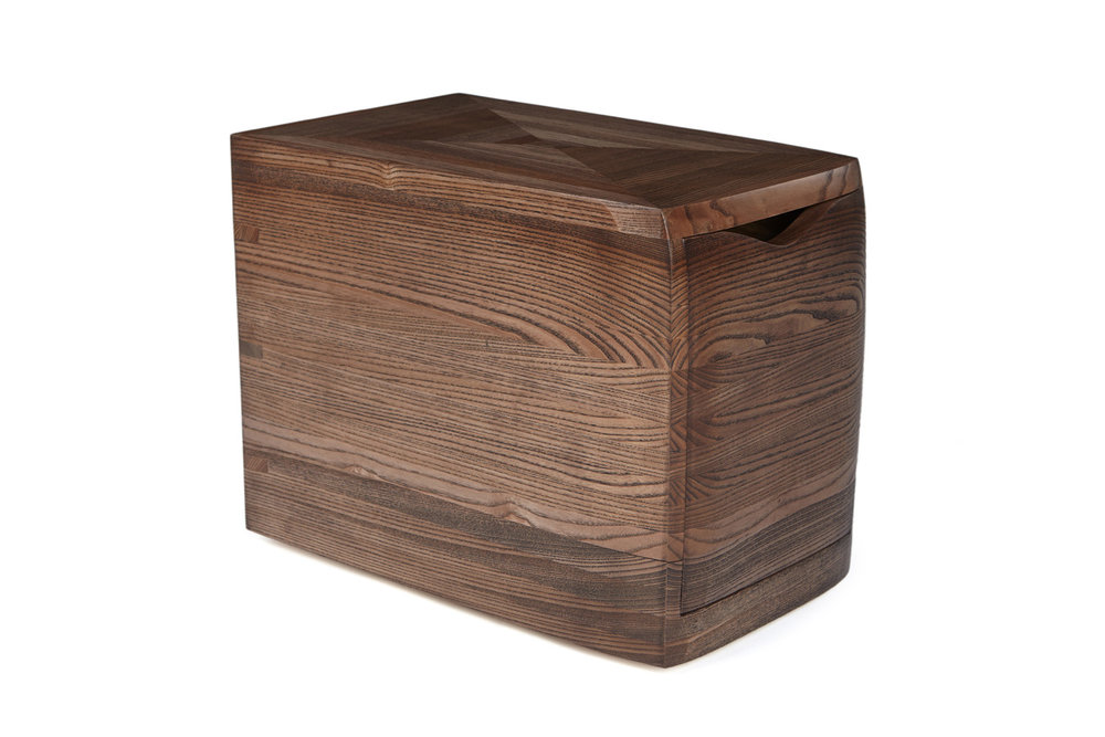 17_Storage-unit-in-ash-with-dark-ebony-stain_2.jpg