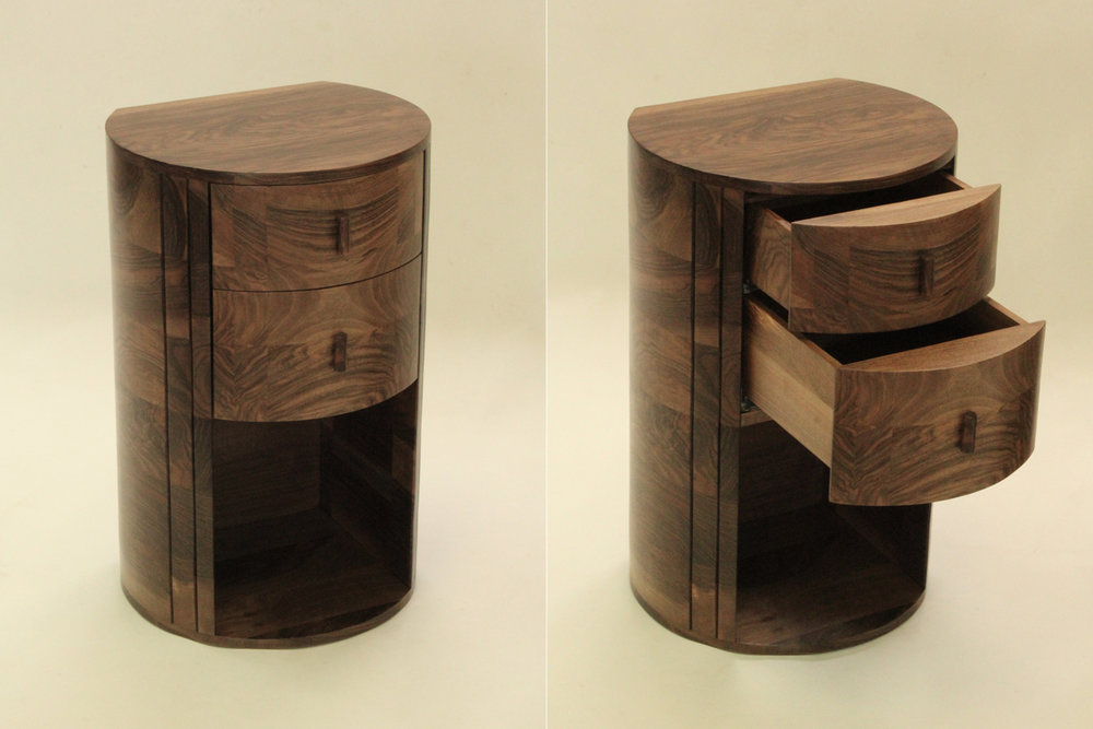 19_pair-of-bedside-tables-of-English-walnut_1.jpg