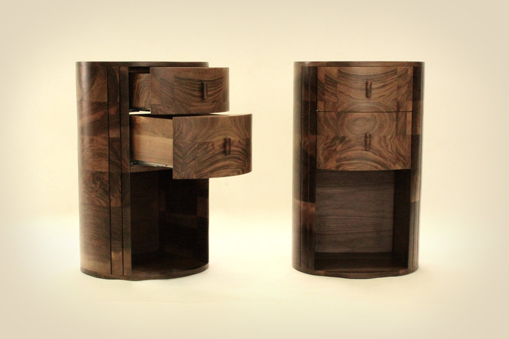 19_pair-of-bedside-tables-of-English-walnut_2.jpg