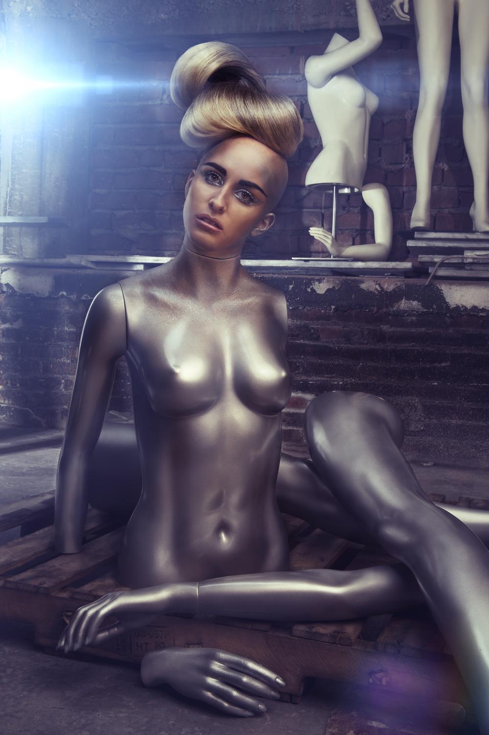 mannequin4-final011311 copy.jpg