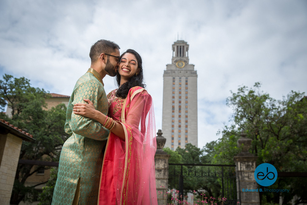 austin-ut-campus-engagement-portrait-session-4.jpg