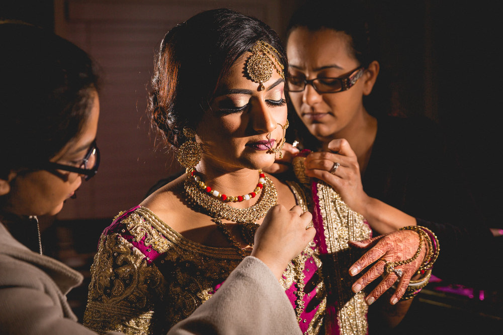 indian-south-asian-wedding-getting-ready-details-11.jpg