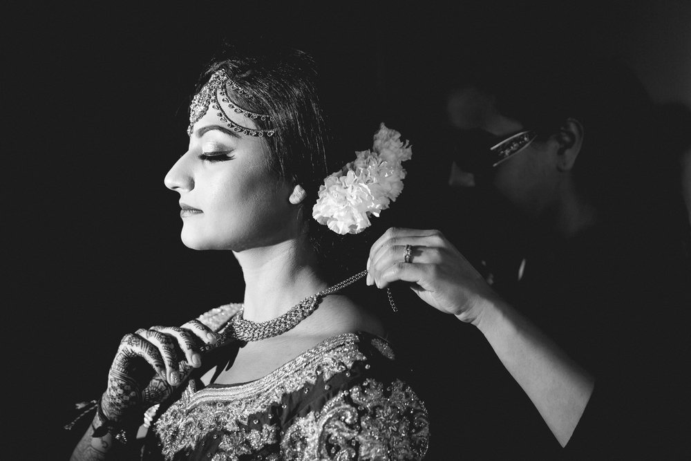 indian-south-asian-wedding-getting-ready-details-31.jpg