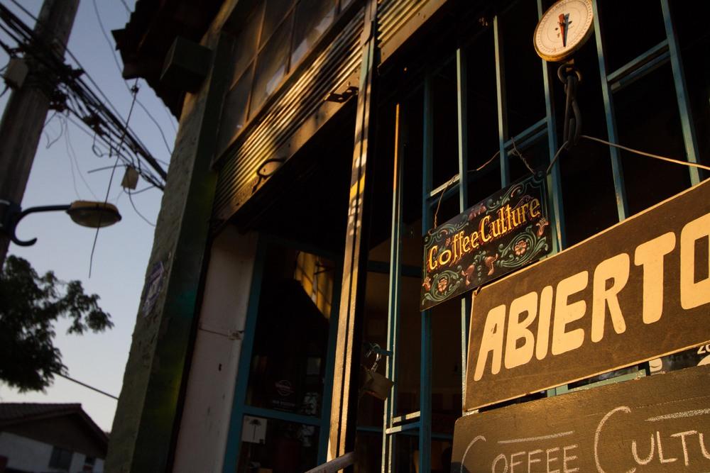 coffee culture abierto.jpg