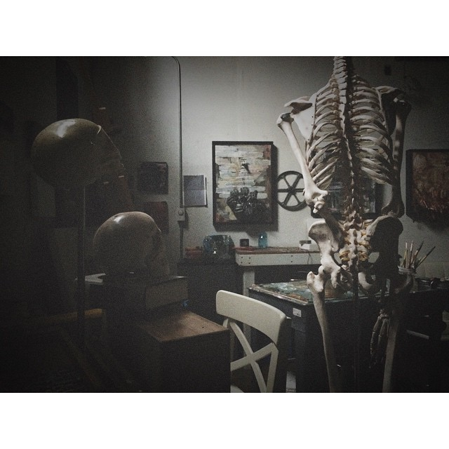 Studio View #artstudio #anatomy #greenpoint #williamsburg #instaart #skeleton #painting #instaart #afterlight #brooklyn #myhappyplace #art #fineart  (at Greenpoint, Brooklyn)