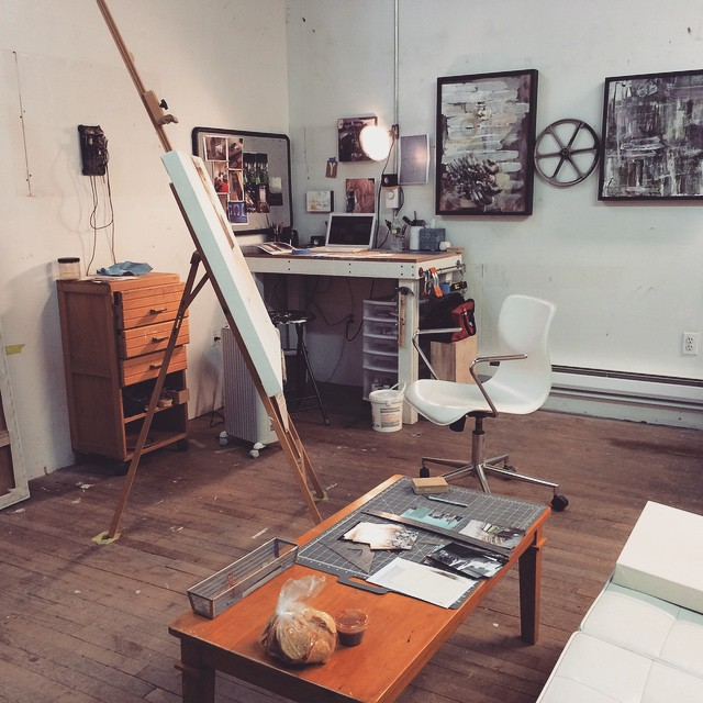 Re-organized the studio for the New Year to make room for some new projects. #artstudio #workspace #create #art #fineart #greenpoint #brooklyn #nyc #painter #artist #gallery  (at Studio 18)