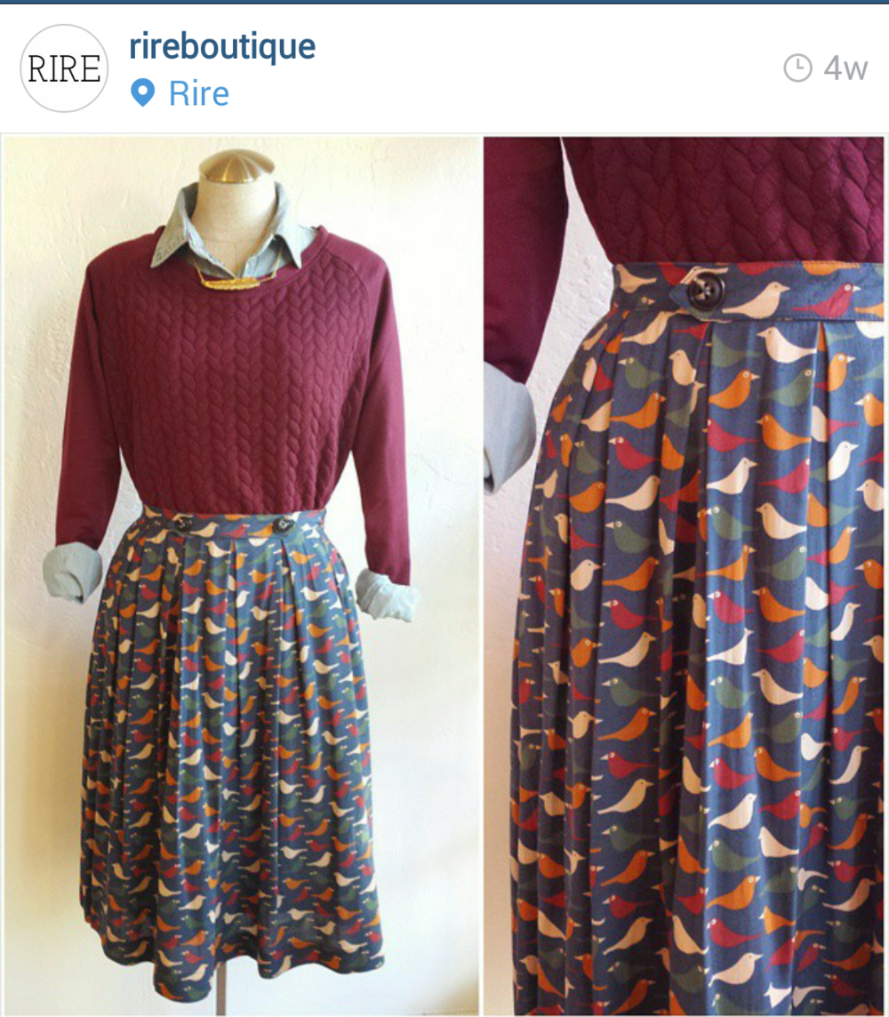 Rireboutique styled the mannequin with our colorful bird skirt. This outfit is perfect for fall.