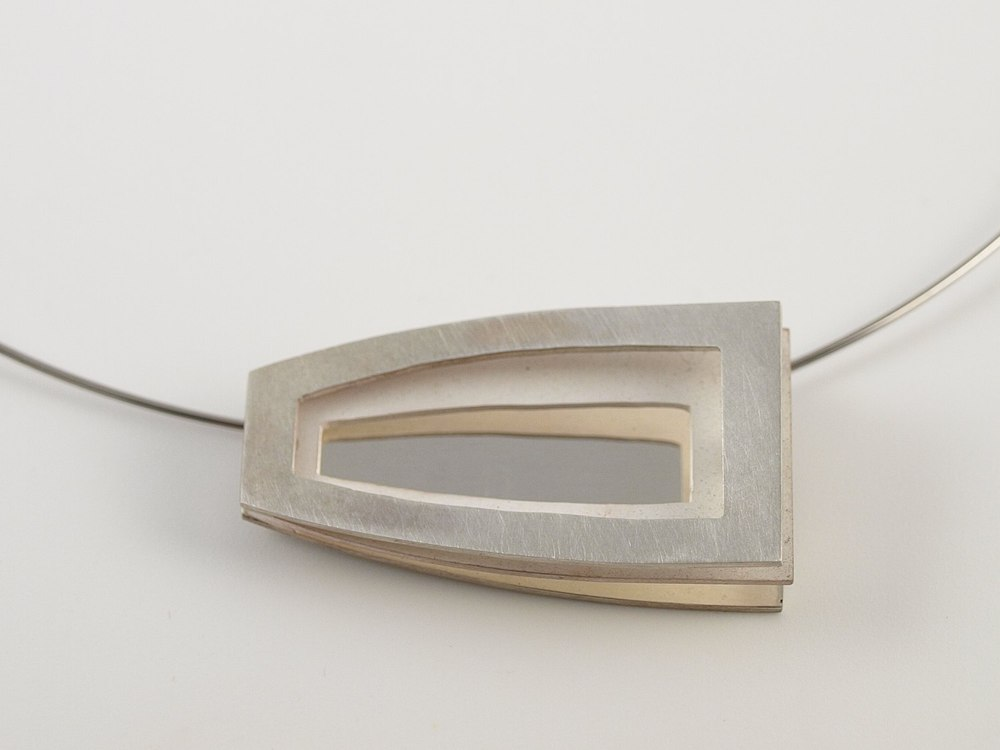 Layer pendant No.19